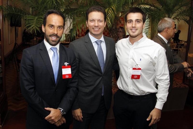 Eduardo Fernandez, presidente do Lide RS, com o prefeito Nelson Marchezan Júnior e Giovanni Jarros Tumelero