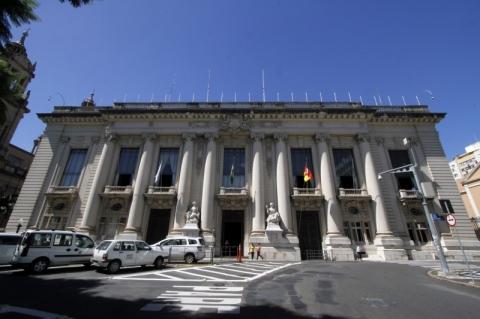 Tesouro do Estado quita salários de agosto nesta sexta-feira