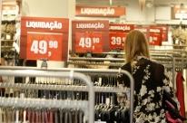 Vendas do varejo ficam estáveis em julho ante junho, revela IBGE