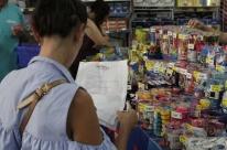 Feira do Material Escolar é aberta no Centro de Porto Alegre