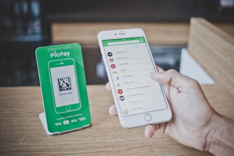 Sistema permite receber e enviar pagamentos de graça pelo celular