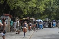 Porto Alegre libera feiras fixas, como o Brique, e velórios de vítimas de Covid-19