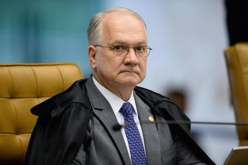 Brazil's Federal Supreme Court (STF) Minister Edson Fachin, during the session of the STF in Brasília, on February 2, 2017.  Brazil's Supreme Court named a new justice Thursday to oversee cases against politicians caught in a giant corruption probe after the previous judicial pointman was killed in an air crash. / AFP PHOTO / ANDRESSA ANHOLETE