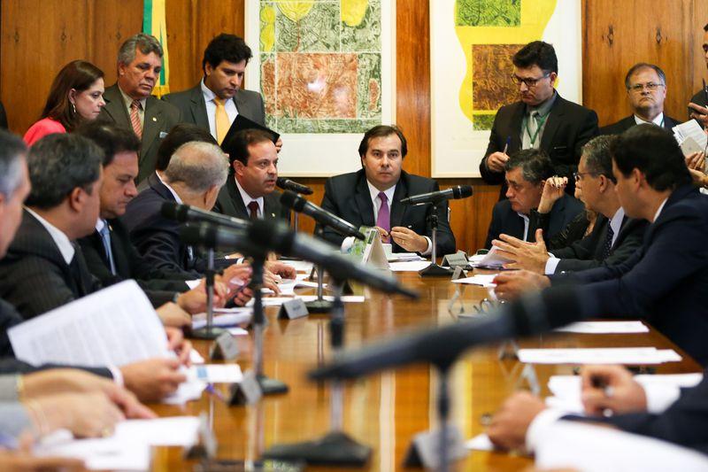 Brasília - O presidente da Câmara dos Deputados, Rodrigo Maia, coordena reunião de líderes partidários. (Marcelo Camargo/Agência Brasil)