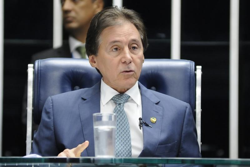 Intenção de Eunício Oliveira é fazer a votação em plenário ainda hoje