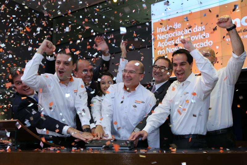 IPO Movida na BM&FBovespa. primeiro de 2017. Na foto, dirigentes da empresa comemoram o lançamento