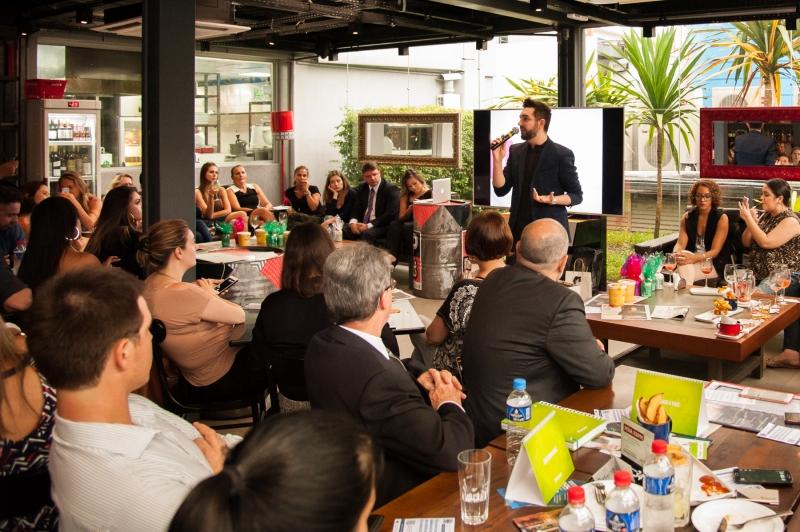 No ultimo dia 14 (terça) com 143 participantes, rolou mais um Happy Hour Empreendedor realizado pela Ajepoa. Como Palestrante, Rafael Terra abordou que o tema Gestão de Mídias Sociais Foto Divulgacão (2)