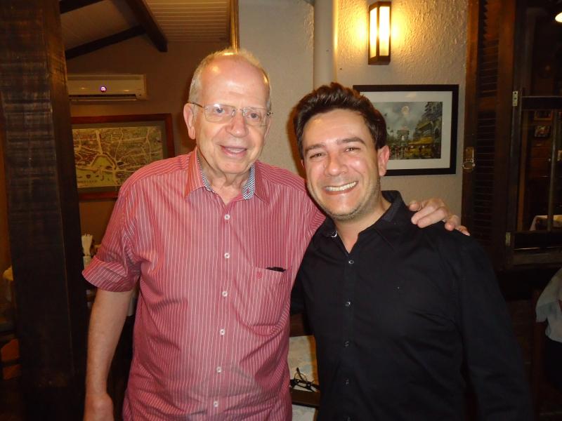 O provedor da Santa Casa, Alfredo Englert, com o diretor do Foro de Canoas, juiz Geraldo Brandeburski Junior, no Tartare