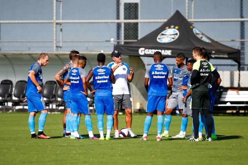Treinador comandou coletivo entre os reservas e a equipe de transição