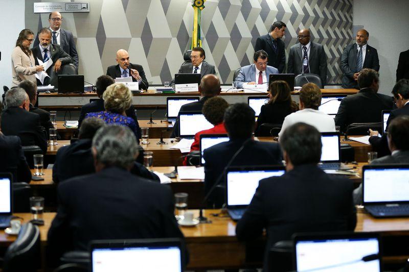 Ministro licenciado da Justiça, Alexandre de Moraes, é sabatinado para cargo de ministro do STF