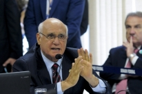 Lasier Martins propõe comissão para avaliar se servidor perderá cargo público
