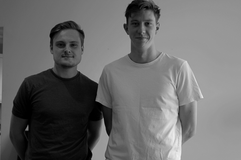 Os ingleses Max e Samuel são os cofundadores da ferramenta Hermit Offices