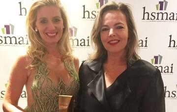 Claudia Horbe e Marcia Petzold na entrega do prêmio em Nova Iorque