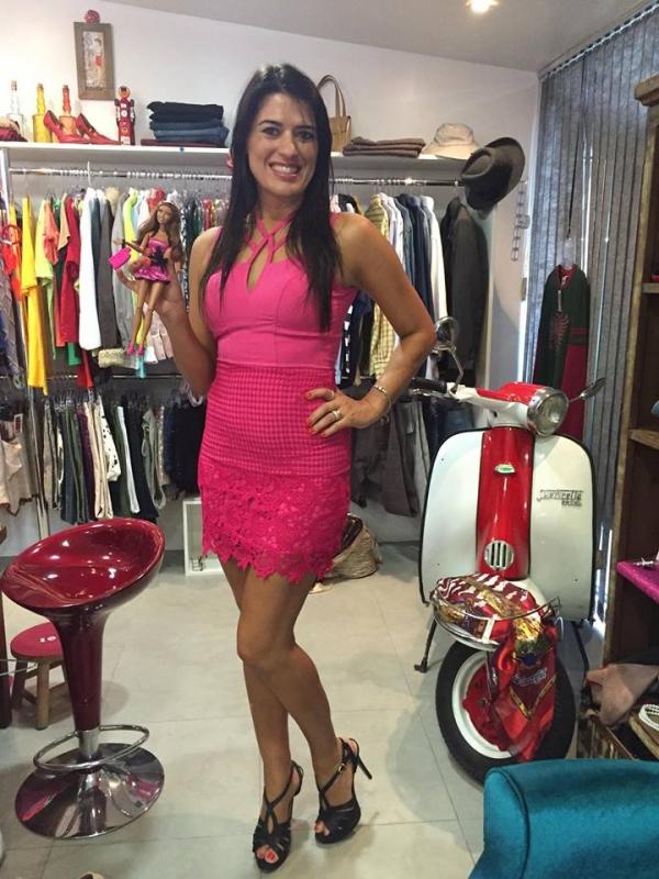 Adriane abriu o brechó Maria Gasolina numa oficina da Capital