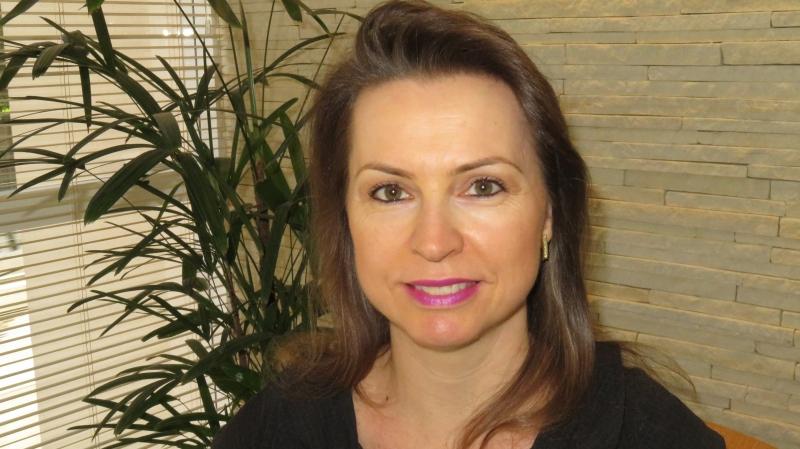 Contabilidade - Andrea Fernanda Daneluz Reolon Contadora, empresária contábil, coordenadora da Cmissão de Estudos do CRCRS Mulher