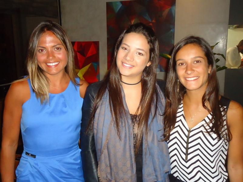Natalia Siegmann, Roberta Ribeiro e Eduarda Chies no Eleven Dinner Room