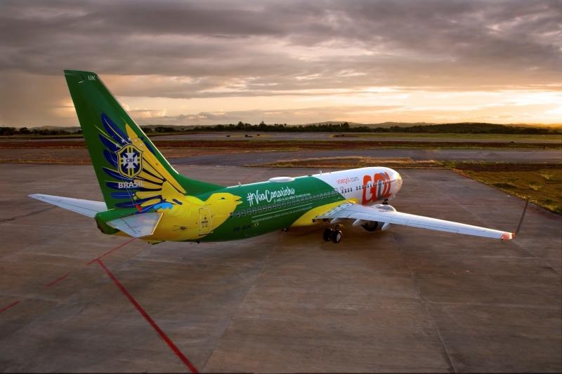 pg3 Boeing 737-800 que levará a seleção canarinho - divulgação GOL