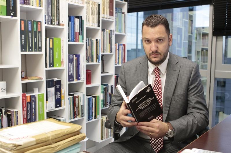 Caselli pretende oferecer critérios para mudança no valor