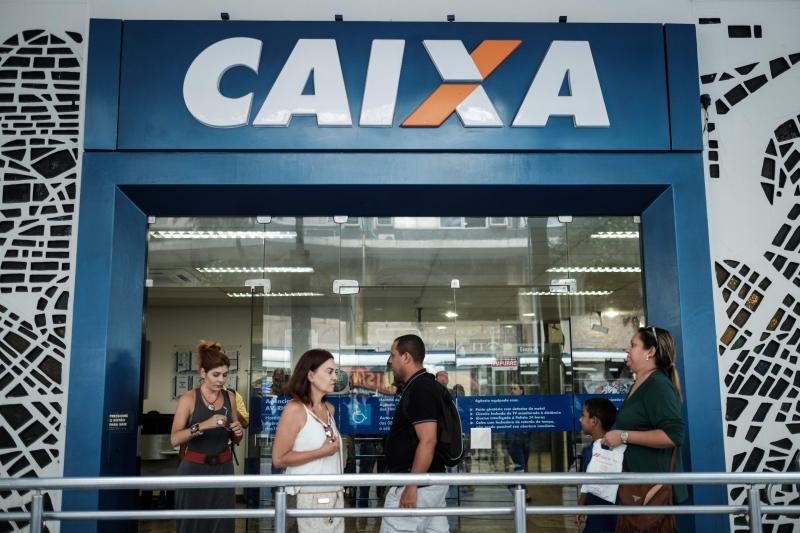 Quadrilha furtava dinheiro de contas poupança de clientes do banco