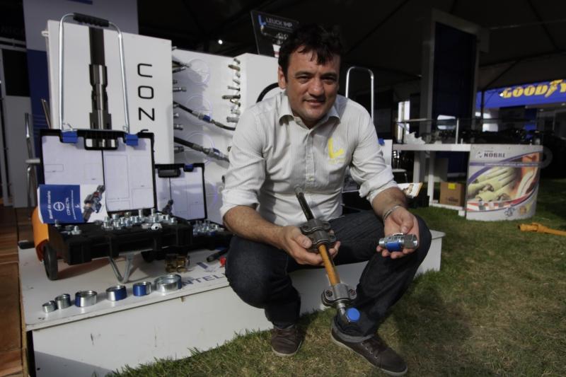 Estevão Leuck reuniu-se com possíveis clientes da França e da Austrália