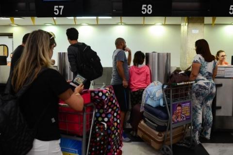 Ministro da Infraestrutura diz que passagem aérea vai cair já no fim do ano