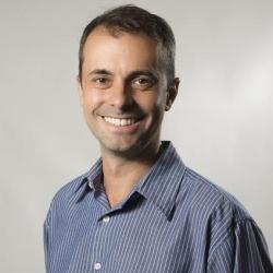 Jonatas Dornelles antropólogo na Assessoria de Comunicação e Marketing da PUCRS
