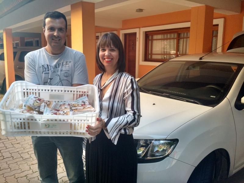 Gustavo e Silvia compraram um carro para fazer a logística do negócio