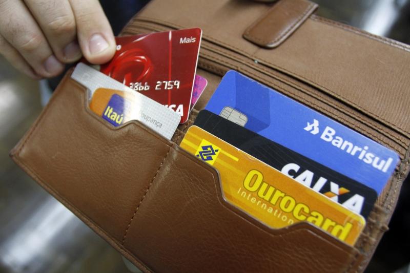 Segundo a Peic, 84,1% dos entrevistados não conseguiram pagar as contas do cartão e 31,3% dos carnês