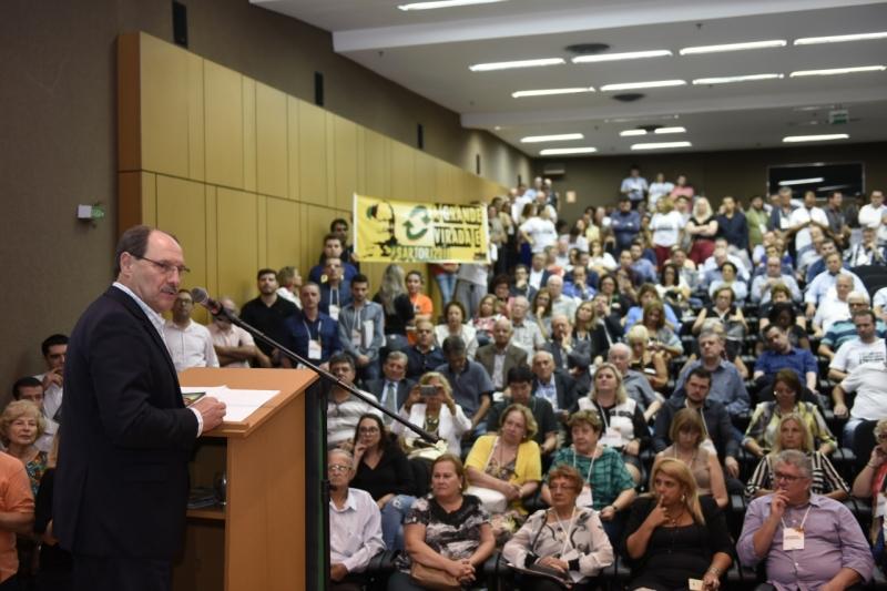 Na convenção da sigla, José Ivo Sartori foi estimulado pela militância a concorrer novamente ao Piratini