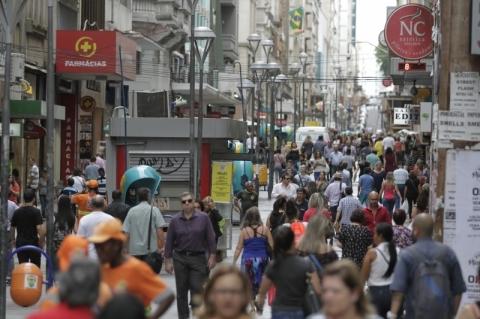 Abertura de empresas cresce 27% em abril na Capital