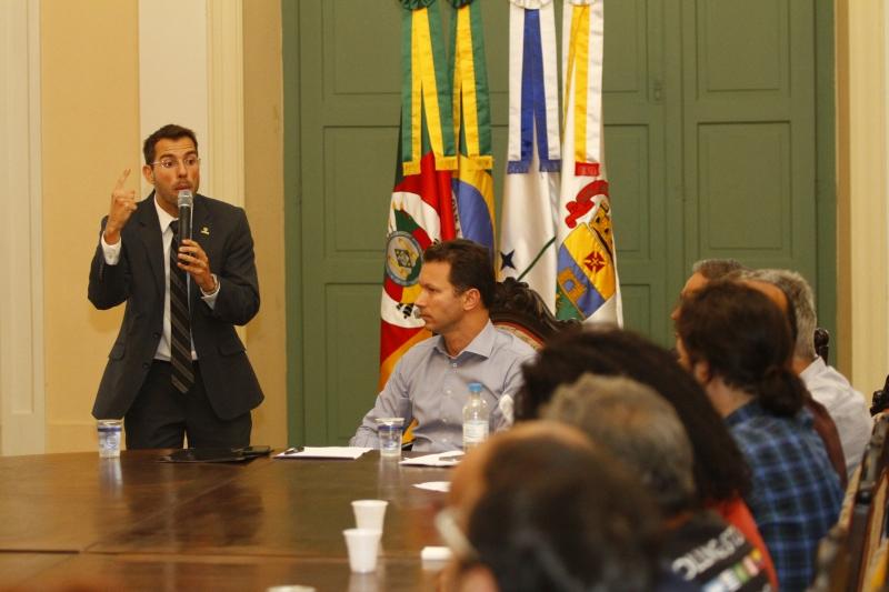 Secretário Busatto apresentou fluxo de caixa para integrantes do Simpa