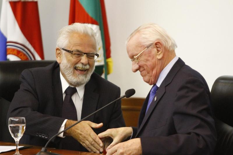 Jaguaribe (e) e Müller celebraram a ampliação do Peiex no Estado