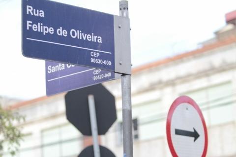 Instalação de placas de rua começa em maio