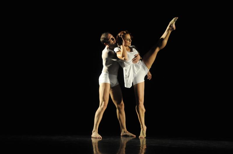 Novo espetáculo da Cia Municipal de Dança, Humano vazio tem apresentação no Renascença