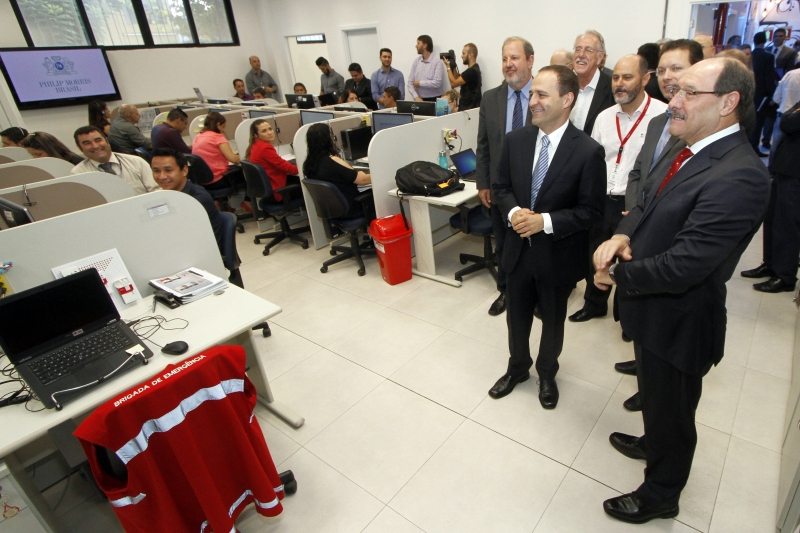 Autoridades conheceram o prédio, que recebeu R$ 3,4 milhões