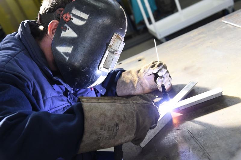 Crise atingiu com força o emprego industrial, que teve queda de 1,9% em março no Rio Grande do Sul