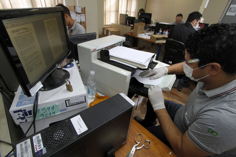 Digitalização de 18 milhões de documentos em Porto Alegre se iniciou há cerca de três anos e meio