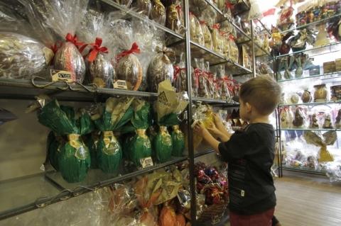 Páscoa incentiva produção nas fábricas de chocolates