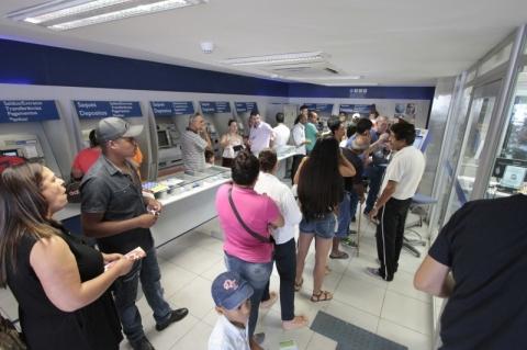 Governo avalia voltar a liberar PIS/Pasep para incentivar o consumo