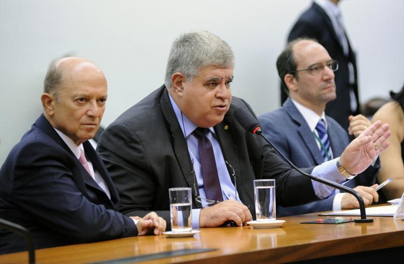 Deputado Carlos Marun anunciou que governo aceitou acordo da oposição para adiar a votação