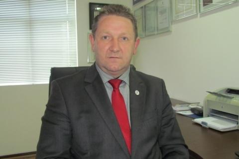 Laudelino Jochem - Contador -empresário da contabilidade, autor de livros contábeis, vice-presidente do CRCPR - divulogação CRCPR