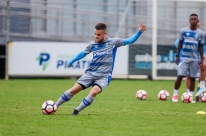 Grêmio anuncia renovação contratual de Ramiro até 2021