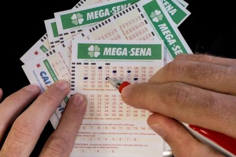 Mega-Sena pode pagar prêmio de até R$ 10 milhões nesta quarta-feira