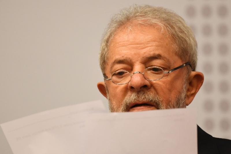 Lula é réu sob a acusação de ter recebido um triplex indevidamente
