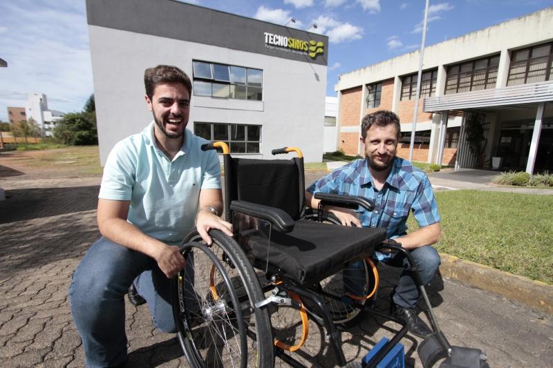 As cadeiras de rodas são customizadas na Unisinos, onde a empresa de Lucas e Luís está incubada