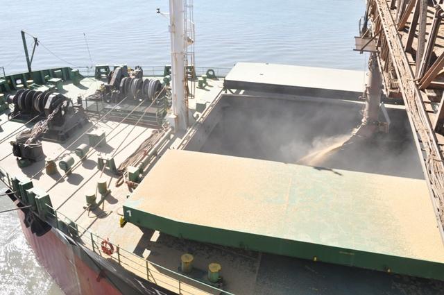 Porto do Rio Grande. movimentação grãos vendas exterior. exportações gaúchas. embarques navio