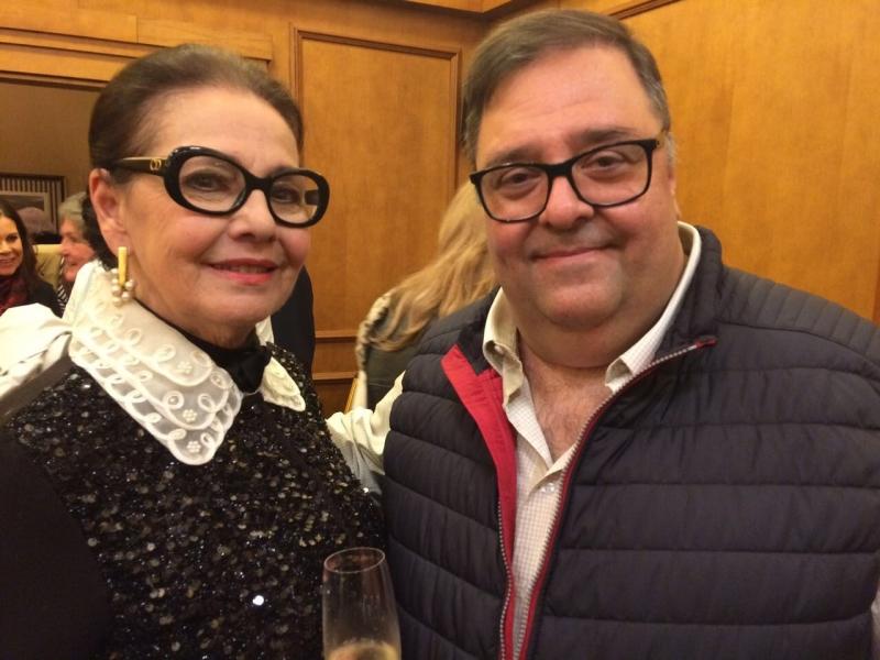 Ieda Maria Vargas com o leiloeiro Daniel Chaieb