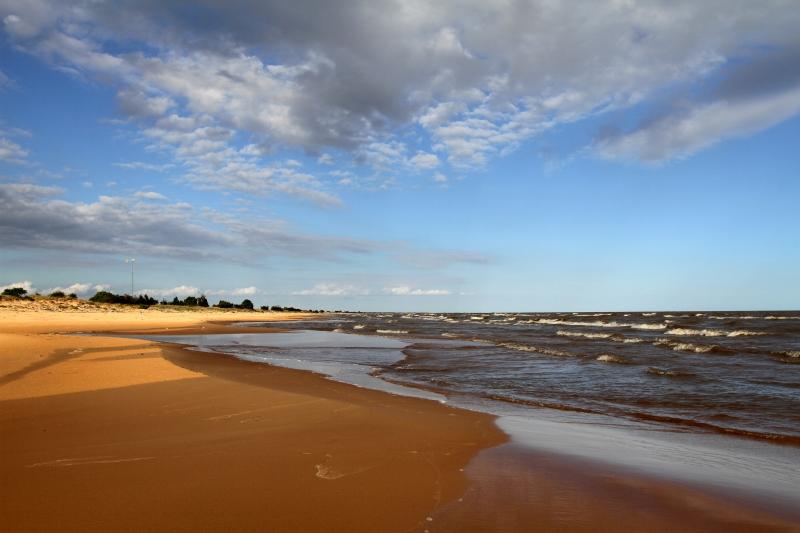 Por falta de manutenção, Praia de Fora segue fechada para o público