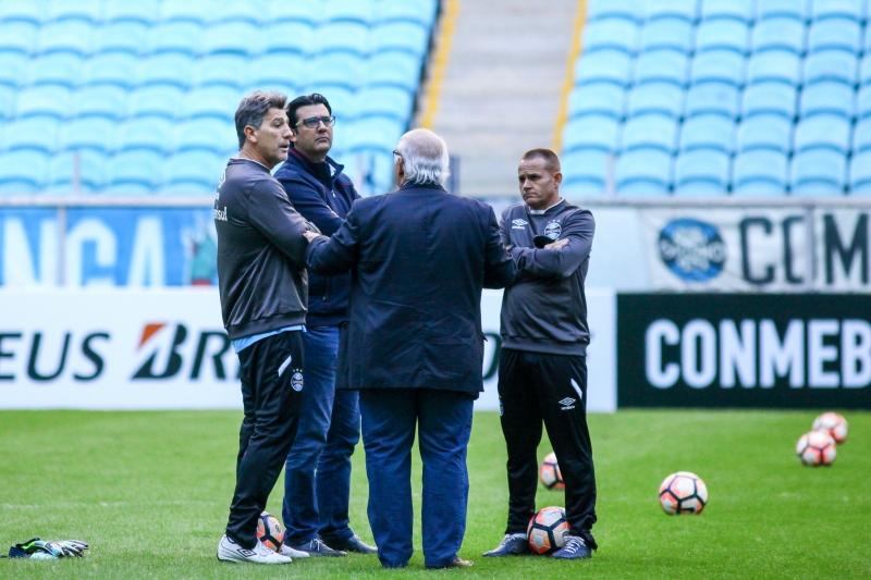 Último treino antes do confronto foi acompanhado por Bolzan Júnior