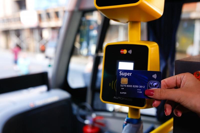 Ampliação de testes com cartões de crédito e débito em ônibus de Porto Alegre